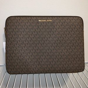 NWT Michael Kors Padded Laptop Case